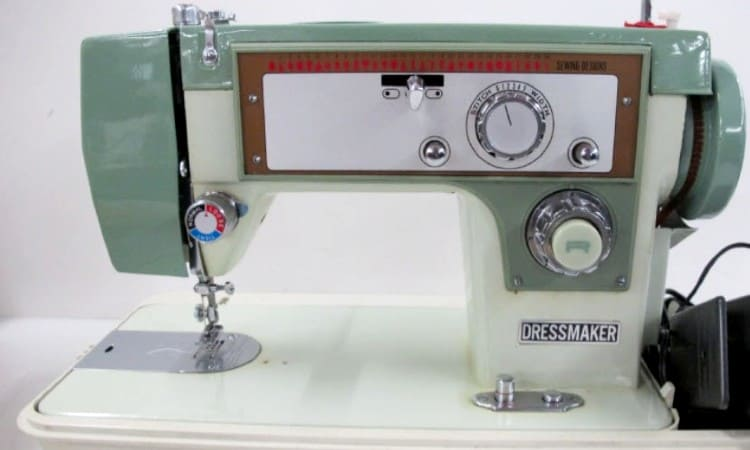 Dressmaker Sewing Machine Deluxe