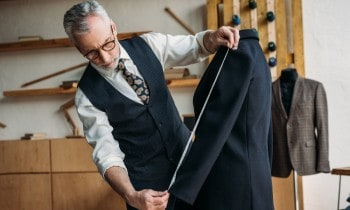 Tailor vs Seamstress