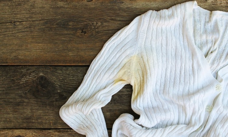 How to Get Yellow Stains Out of White Polyester