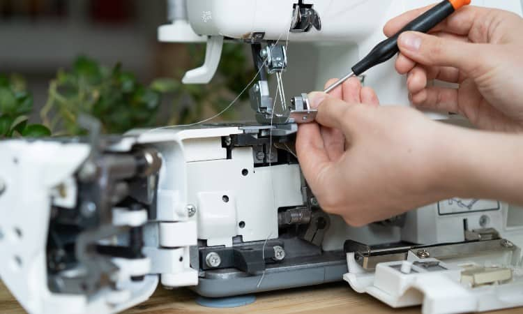 How to repair sewing machines at home