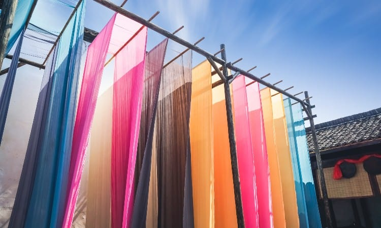 Polyester fabric dyeing