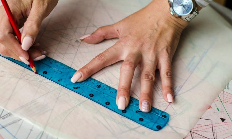 Trace a Pattern Onto Tracing Paper