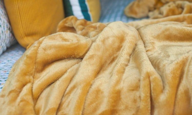 Washing fleece blanket